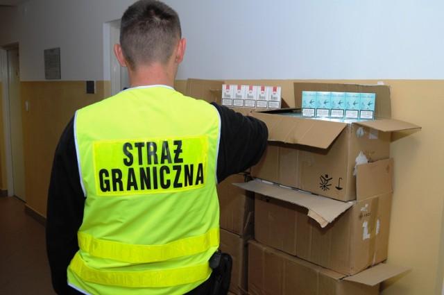 Celnicy i pogranicznicy udaremnili w Terespolu przemyt 370 tys. sztuk papierosów.
