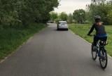 Wartostrada: Samochody tarasują drogę i stwarzają zagrożenie. Co na to straż miejska? [ZDJĘCIA]