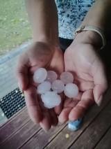 Potężna burza w Łodzi. Rozlewiska i grad wielkości piłeczek pingpongowych. Tak było w niedzielę. Zdjęcia Czytelników
