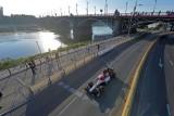 Kubica kontra Marszałek. Niezwykły wyścig bolidów Formuły 1 w stolicy