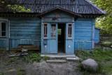 Opuszczona leśniczówka pod Warszawą. To tutaj Julia Wieniawa walczyła z potworami. Zajrzeliśmy do środka