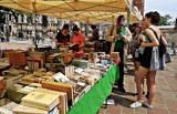Kiermasz książek w Rzeszowie. Kup tanie książki ze zbiorów Wojewódzkiej i Miejskiej Biblioteki Publicznej w Rzeszowie. Ceny od złotówki
