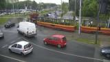Wykolejenie tramwaju na skrzyżowaniu Włókniarzy i Limanowskiego w Łodzi [FOTO]