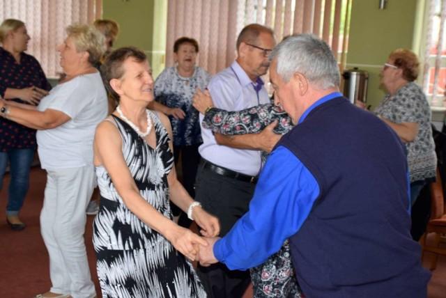 Seniorzy z gminy Czerniejewo wyszaleli się podczas potańcówki