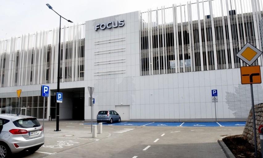 W nowej części galerii Focus Mall znajdziemy m.in. sklepy...
