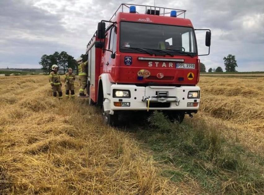 Pożar ścierniska i zboża na pniu w Broniszewicach