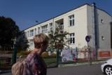Izolatoria w szkołach. Jak działają w Toruniu? Kto tam trafia?