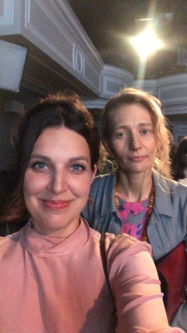 """Marta Florek gra w serialu """"Osiecka"""" produkcji TVP. Wystąpiła u boku znanych aktorów."""