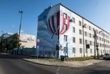Murale, Warszawa. Nowy mural we Włochach. W ten sposób uczczono pamięć Franciszka Hynka [ZDJĘCIA]
