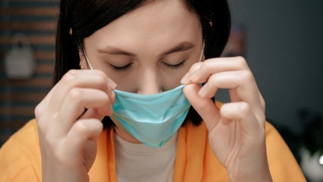 Koronawirus – jak długo może przetrwać w powietrzu? Są wyniki badań.