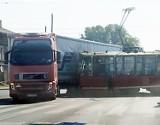 Wypadek w Świętochłowicach. Zderzenie tramwaju z tirem