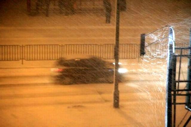 W Lublinie i okolicach od kilku godzin pada śnieg. ...