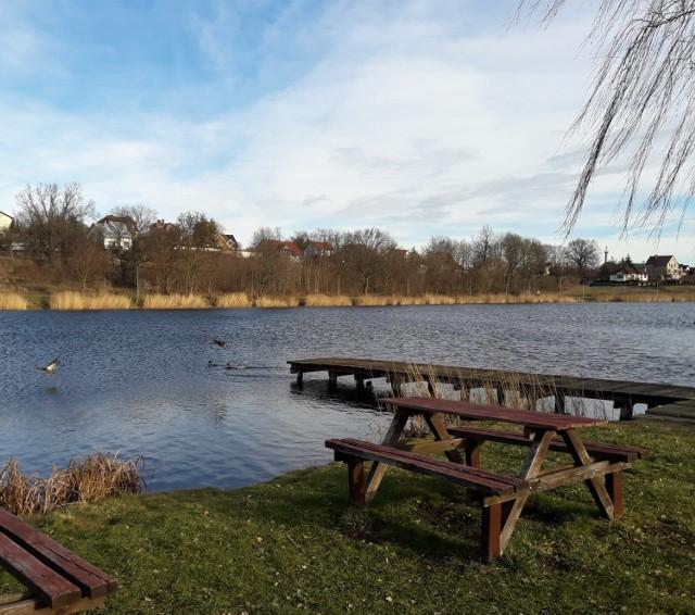 Jeśli szukacie w okolicy Żar miejsc na zimowe spacery, wybierzcie się do Lubska.
