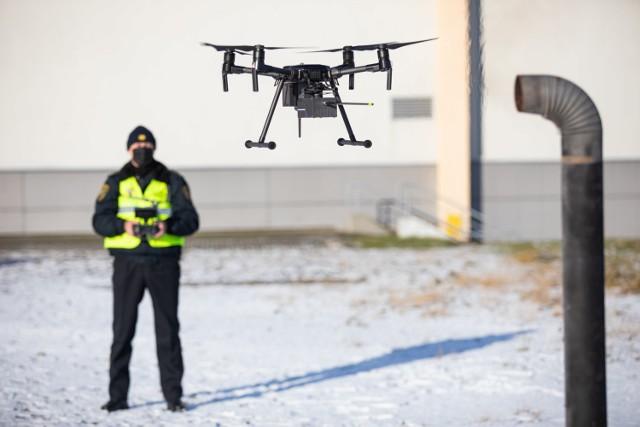 Nowe drony pomogą bielskim strażnikom miejskim walczyć ze smogiem