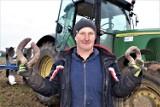 Rolnikowi z pow. łęczyckiego wyrosły krzywe buraki. Straty mogą być ogromne (ZDJĘCIA)