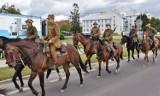 Ułani przybyli do Włodawy. To był pierwszy tak duży piknik wojskowy w mieście. Zobacz zdjęcia
