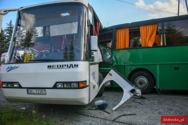 W Pankach zderzyły się dwa autokary, wiozące dzieci. Kilkanaście osób odniosło obrażenia