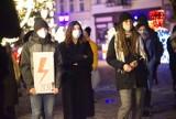 14. strajk kobiet przeszedł ulicami Rzeszowa. Protestujący zatrzymali się przed budynkiem Kurii Diecezjalnej. Byli przeciwnicy