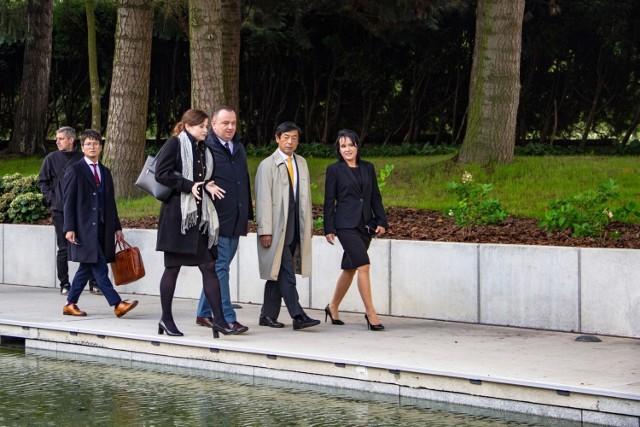 Ważny gość na arenie międzynarodowej odwiedził Park Śląski. Ogród Japoński stanął przed ważnym sprawdzianem - został obejrzany przez Ambasadora Japonii, Akio Miyajima. Jak ocenił nową atrakcję turystyczną delegat?