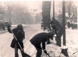 To była zima stulecia! 42 lata temu śnieg sparaliżował Wrocław (ARCHIWALNE ZDJĘCIA)