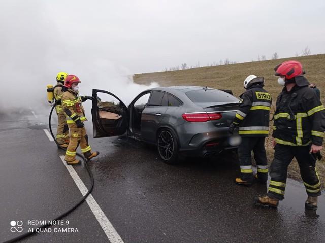 Do pożaru doszło na drodze w Bluszczowie