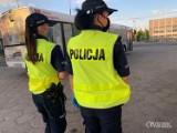 Ostrowscy policjanci kontrolują kierowców autobusów