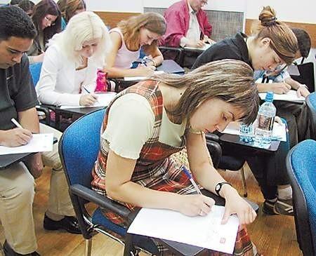 Ludmiła Grabowska z Mołdawii, podobnie jak jej koledzy, w niedzielę zmagała się z polską ortografią.