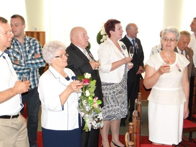 10 par odebrało 22 czerwca w Urzędzie Miasta w Radomsku Medale za długoletnie pożycie małżeńskie