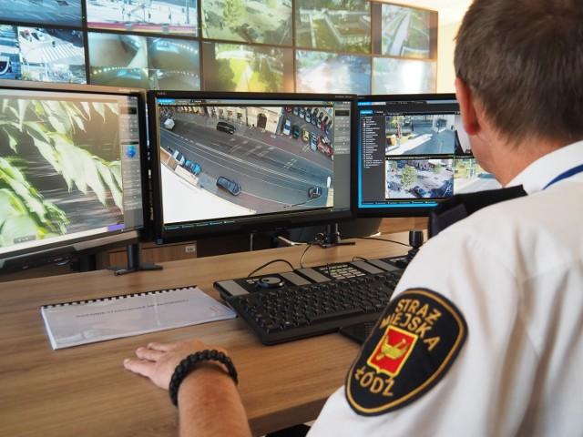 W październikowym głosowaniu w ramach Budżetu Obywatelskiego 2021/22 łodzianie rozstrzygną losy 11 projektów dotyczących budowy nowych punktów kamerowych Systemu Monitoringu Miejskiego w 2022 roku na swoich osiedlach. Mieszkańcy wskazali 38 miejsc wybudowania punktów kamerowych, w których ma znaleźć się ponad 60 kamer, 2 punkty SOS oraz 2 głośniki umożliwiające nadawanie komunikatów.  Czytaj więcej na następnej stronie