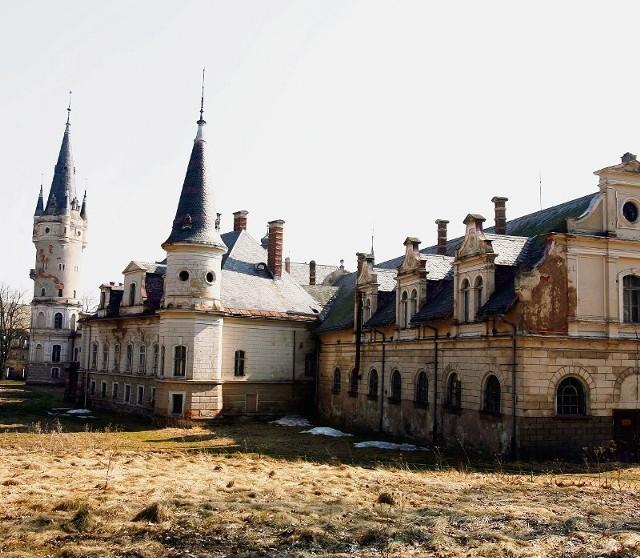 Wydaje się, że ogromne szanse ma zniszczony pałac w Bożkowie