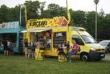 Food trucki na bulwarach nad Wisłokiem w Rzeszowie. Zobacz, co można zjeść podczas Europejskiego Stadionu Kultury