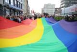 Miejsca gay friendly w Poznaniu. Tutaj geje, lesbijki i inne osoby LGBT+ mogą się czuć swobodnie!