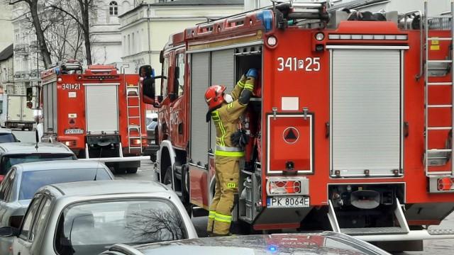 Kalisz: Strażacy wspierają medyków. Wozy strażackie niczym karetki