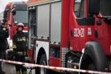 Pożar kamienicy w Fordonie w Bydgoszczy. Do akcji gaśniczej skierowano 14 jednostek strażaków