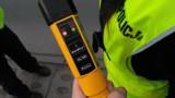 Policjant z Żor zatrzymał kompletnie pijanego kierowcę. Złapał go w drodze do pracy. 57-letni kierowca peugeota miał prawie 2,5 promila