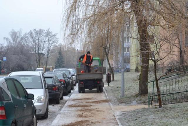 Zima w Pleszewie nie rozpieszcza pieszych ani kierowców