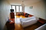 Tak wygląda w środku izolatorium dla zakażonych koronawirusem we Wrocławiu. Zobacz zdjęcia!
