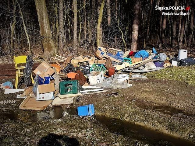 Dzikie wysypiska śmieci odkryte w Skrzyszowie i Gołkowicach