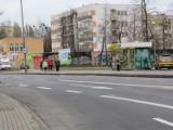 Poznań: Przystanek na Promienistej bez wiaty i rozkładu jazdy [ZDJĘCIA]