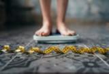 Polacy mogli przytyć nawet 76 mln kg! Do pandemii koronawirusa dołączyły niebezpieczne dla zdrowia i życia epidemie - otyłości i braku ruchu