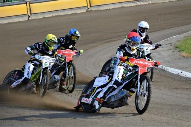 Żużlowcy Falubazu Zielona Góra wygrali na własnym torze dwa turnieje Drużynowych Mistrzostw Polski Juniorów.