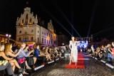 Art In Culture na Rynku w Rzeszowie. Prawdziwy pokaz kreatywności w modzie i sztuce. Zobaczcie zdjęcia