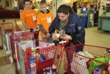 Świąteczna zbiórka żywności w krakowskich sklepach [ZDJĘCIA]