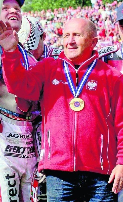 Marek Cieslak triumfujący w Drużynowym Pucharze Świata