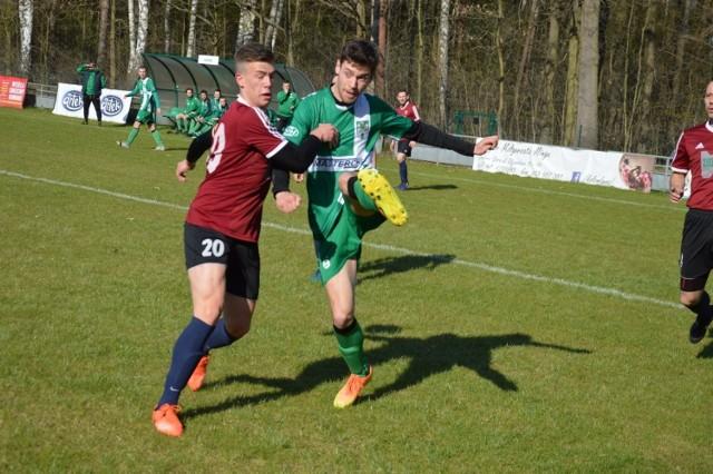 Piłkarze z Płot dzielnie walczyli z drużyną z Przylepu.