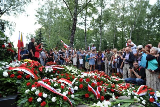 72. rocznica Powstania Warszawskiego. Obchody odbyły się w całym mieście [ZDJĘCIA]