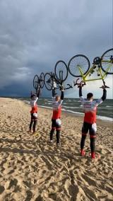 Zakopane-Hel. w pięć dni pokonali 800 km na rowerach z Gubałówki nad morze. Wszystko dla chorego dwulatka