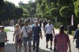 Tak wyglądała upalna niedziela w Ciechocinku. Miasto opanowały tłumy! [zdjęcia]