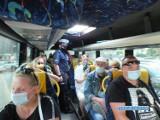 Głogów: Policja kontroluje miejskie autobusy oraz busy i sprawdza, czy pasażerowie mają maseczki. Jej brak może drogo kosztować