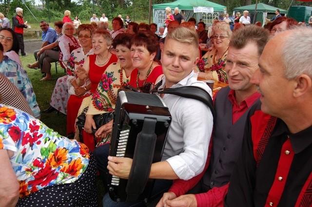 XV Festiwal Zespołów Śpiewaczych Szparagowe Żniwa w Trzcielu, 2012.